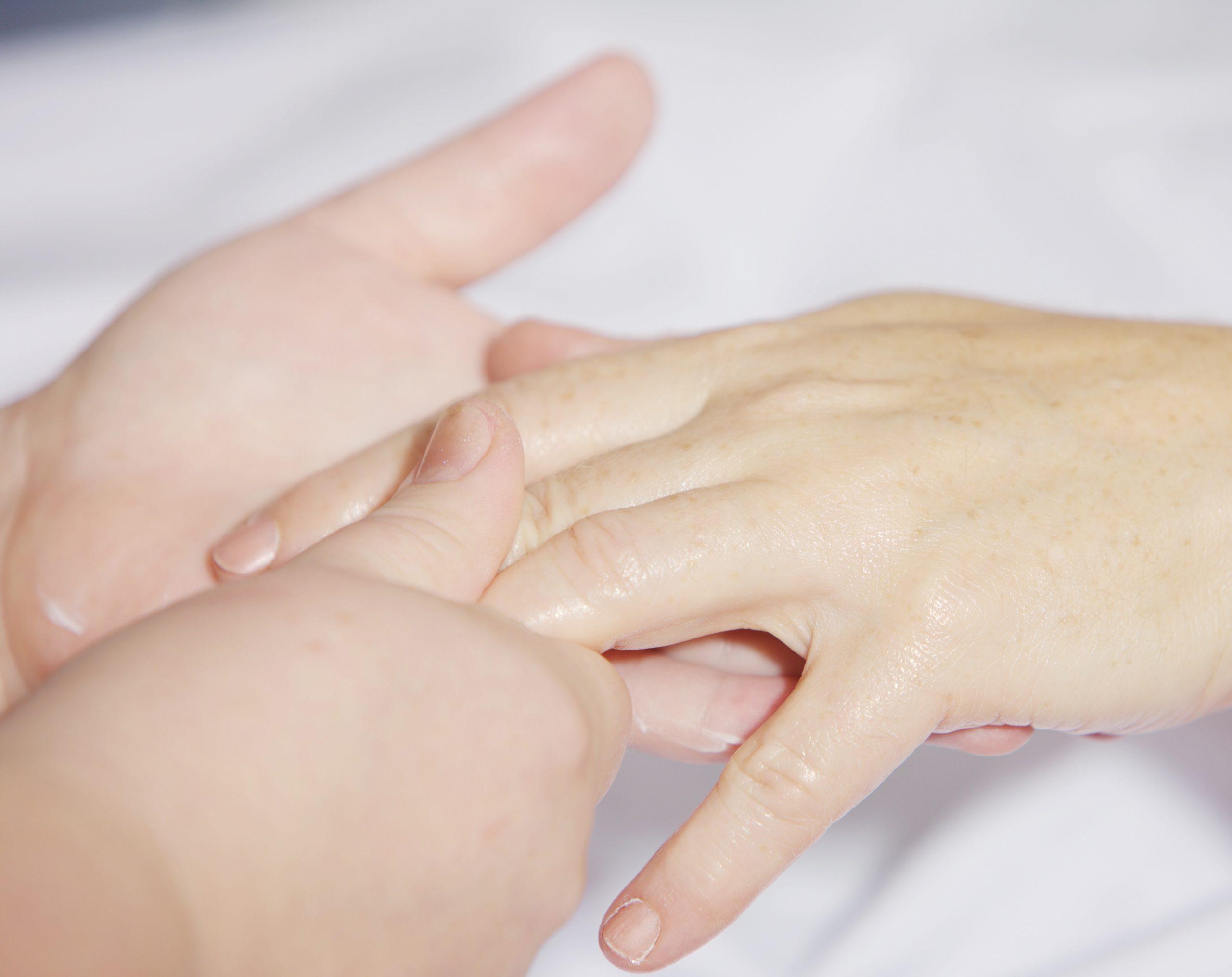 manicure in menorca